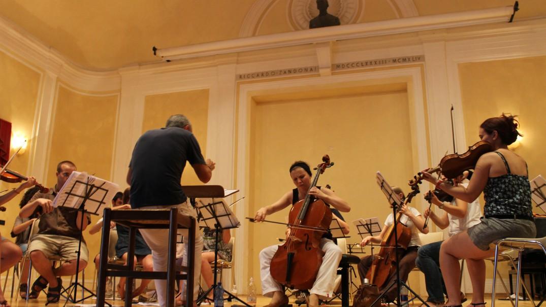 Magdalena Rosa Dür prova il Concerto di Haydn con Theresia Youth Baroque Orchestra
