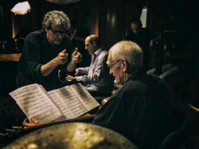 Il regista in un momento delle riprese del documentario concerto Piani Paralleli,  prod. BliqFilm in associazione con Jazzy Records e Kublai Film