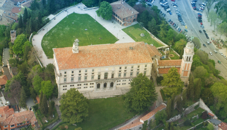 Our places: Salone del Parlamento, Castello di Udine